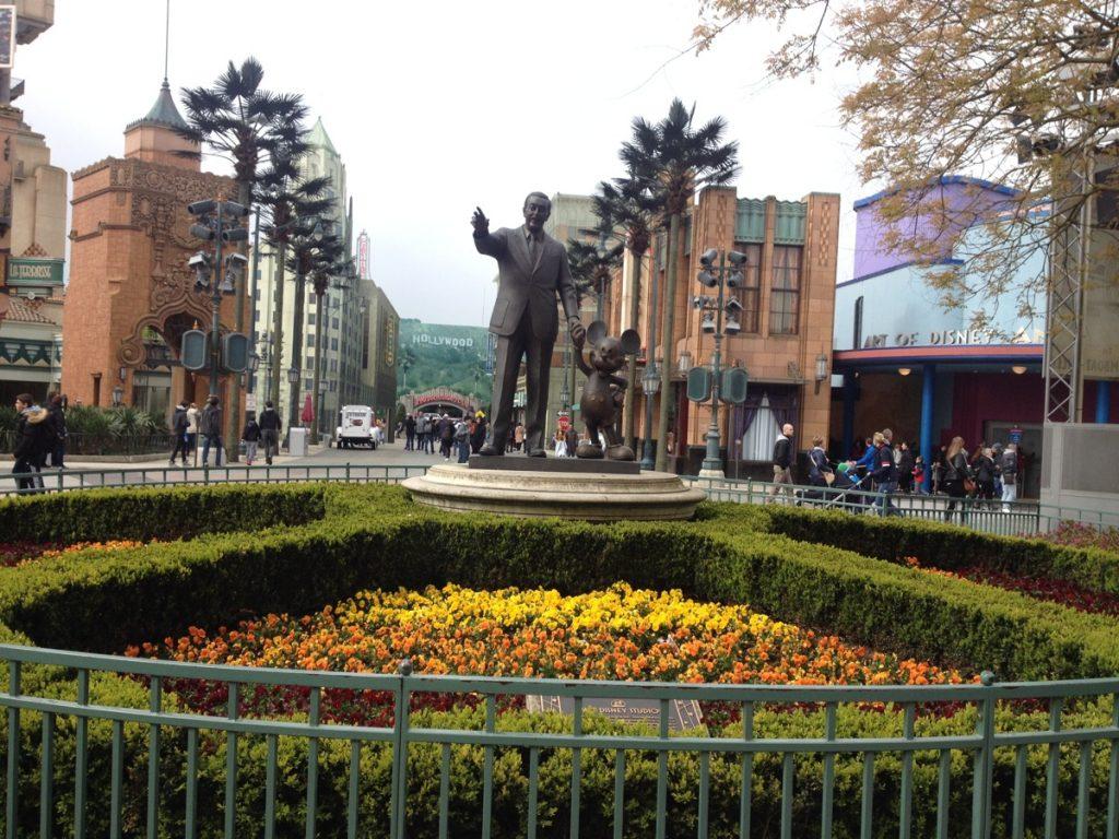 Disney Walt & Mickey