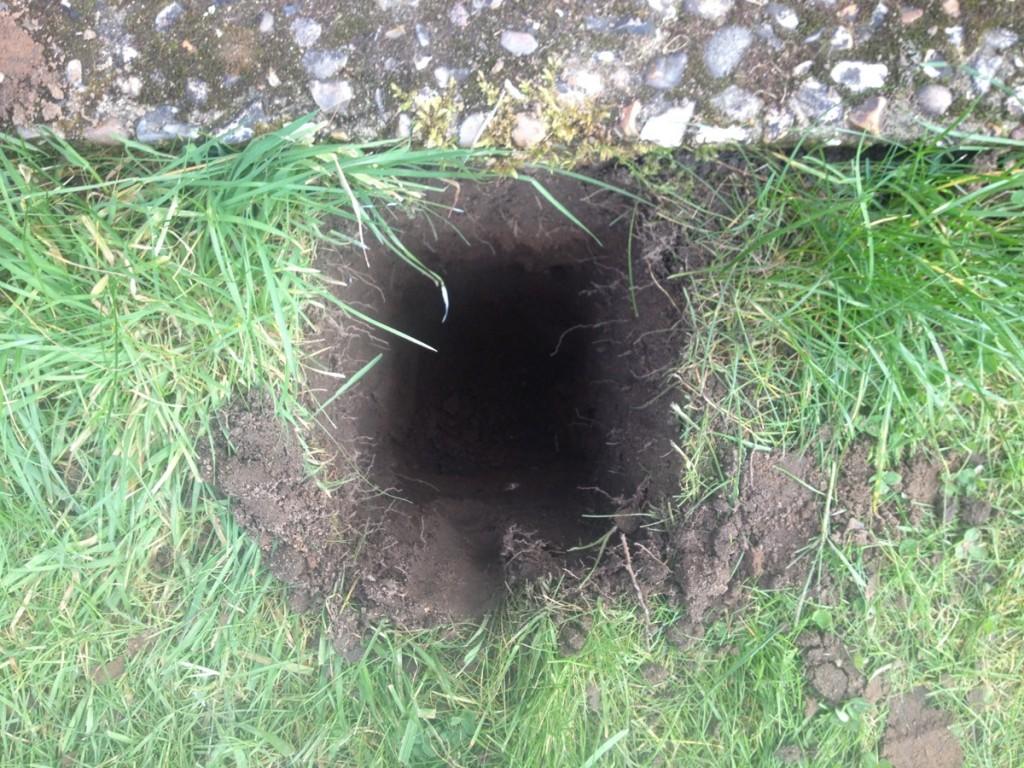 Pergola hole